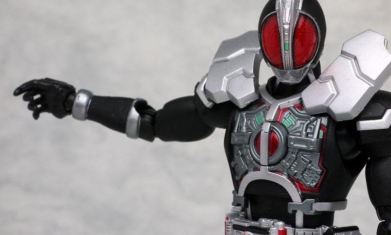 Action figure S.H.Figuarts Kamen Rider Faiz Axel Form 01