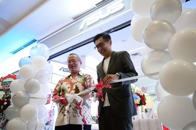 Launching Zenbook Store Mangga dua mall Mr Jo & Mr Jimmy Lin 2