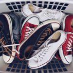 Cara Mengembalikan Warna Sepatu Kets Terlihat Seperti Baru