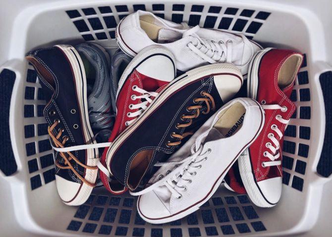 cara_mengembalikan_warna_sepatu-min